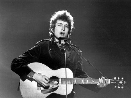 Nhac si noi tieng Bob Dylan doat Nobel van chuong - Anh 1