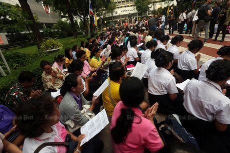Thai Lan tran ngap mau hong, cau nguyen cho Nha Vua - Anh 6