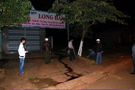 Hoa Binh: Nghi van thanh nien tu vong vi bi danh hoi dong - Anh 1