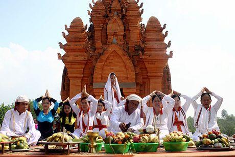 Du lich Ninh Thuan tang truong gan 20% trong 9 thang dau nam - Anh 1