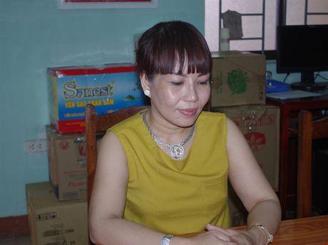 Bat giu vu van chuyen gan 6.000 goi thuoc la lau - Anh 1