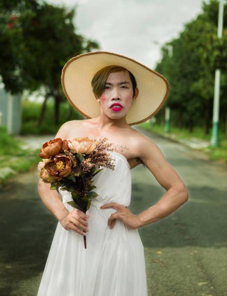 Tung Son 'Cong chua Thuy Te' va showbiz 'lay loi' cua facebook - Anh 1