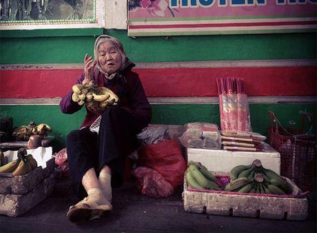 Nhung cu gia nhoc nhan muu sinh tren via he Ha Noi - Anh 10
