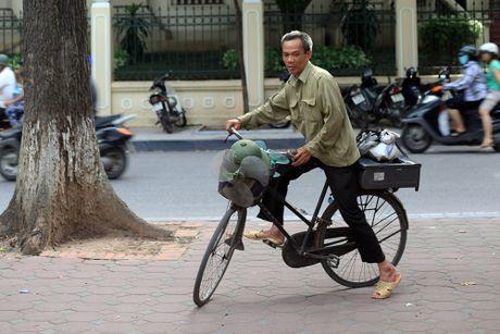 Nhung cu gia nhoc nhan muu sinh tren via he Ha Noi - Anh 12