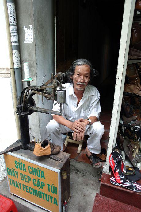 Nhung cu gia nhoc nhan muu sinh tren via he Ha Noi - Anh 13