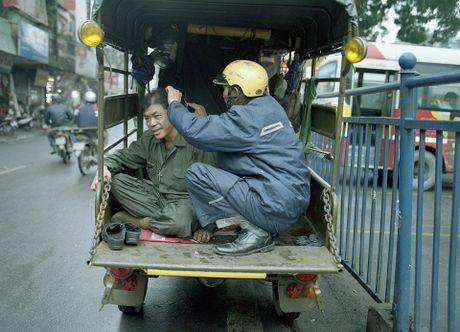 Nhung cu gia nhoc nhan muu sinh tren via he Ha Noi - Anh 1