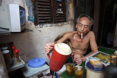 Nhung cu gia nhoc nhan muu sinh tren via he Ha Noi - Anh 6