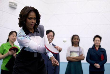 Hinh anh de nhat phu nhan My Michelle Obama an tuong va than thien - Anh 20