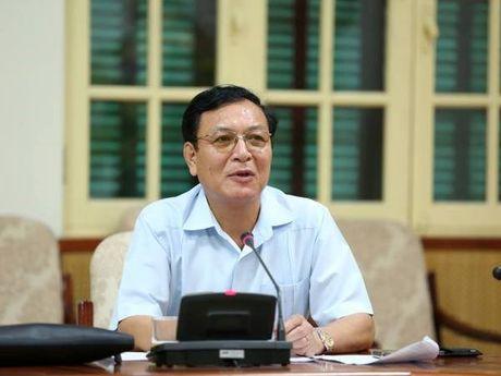 Cuu Bo truong Pham Vu Luan lam giang vien Dai hoc Thuong mai - Anh 1