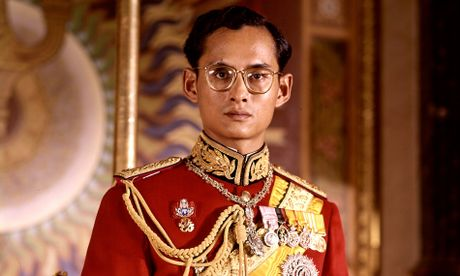 Cuoc doi Vua Thai Lan Bhumipol Adulyadej qua nhung buc anh - Anh 1