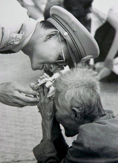 Cuoc doi Vua Thai Lan Bhumipol Adulyadej qua nhung buc anh - Anh 9