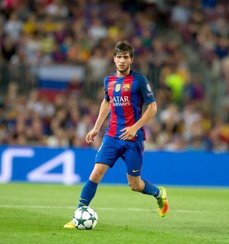 Sergi Roberto: Nguoi thay the hoan hao cho Dani Alves - Anh 2
