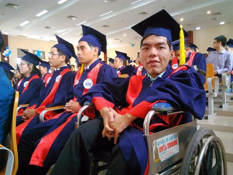 Truong DH Cong nghe Sai Gon: Trao bang tot nghiep cho 1.184 tan Cu nhan, Ky su - Anh 1