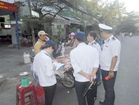Xu phat nghiem viec van chuyen san pham dong vat khong dung quy dinh - Anh 1