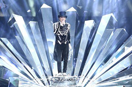 Truoc 'Diamond show' 12 ti cua Dam Vinh Hung tai Ha Noi, nghe si Viet noi gi? - Anh 1