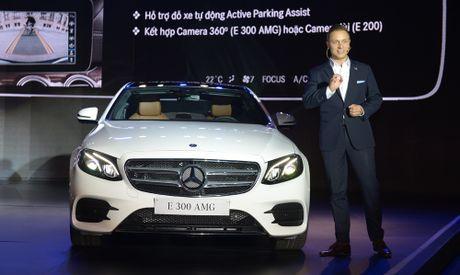 Mercedes-Benz E-Class 2017 ra mat thi truong Viet Nam - Anh 4