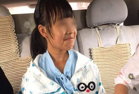 Be 12 tuoi mang thai o Trung Quoc tung an xin tai Dong Anh? - Anh 1