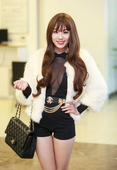 Linh Miu tung ho bao co nao truoc su co 'lo nguc' - Anh 2