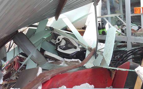 Hai Phong: Lai xe container ngu gat, dam nat 4 nha dan - Anh 5