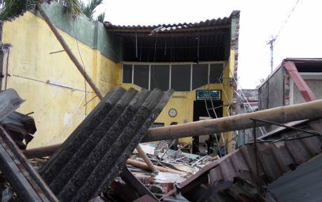 Hai Phong: Lai xe container ngu gat, dam nat 4 nha dan - Anh 6