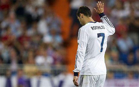 'Ronaldo chi song vi ban than va suy nghi ngang tam dua tre 12 tuoi' - Anh 1