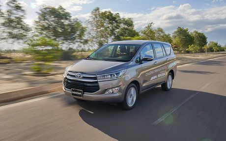 Toyota Innova 2016: Thay doi de tang toc - Anh 1
