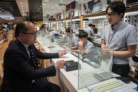 Samsung lanh hau qua vi doi xu 'vo nhan dao' voi nguoi lao dong - Anh 1
