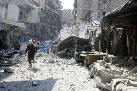 Ngoai truong EU to Nga va Syria 'gay toi ac chien tranh' o Aleppo - Anh 1