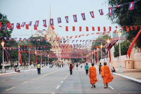 Trung Quoc – Campuchia: Thoi gian va tien bac chua lanh moi vet thuong - Anh 2