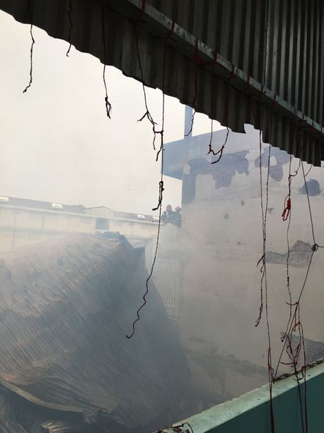 Chay xuong san xuat hang noi that tri gia hang tram trieu dong - Anh 2