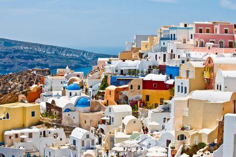 Chu du Hi Lap va kham pha nhung ngoi nha nam o Santorini - Anh 1