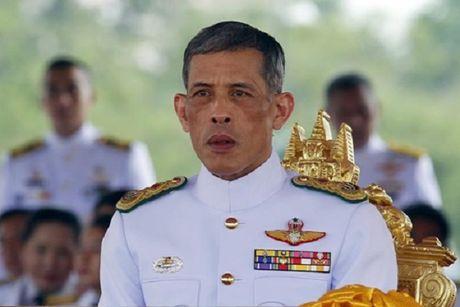 Quoc vuong Thai Lan bang ha, ai se la nguoi ke vi? - Anh 1
