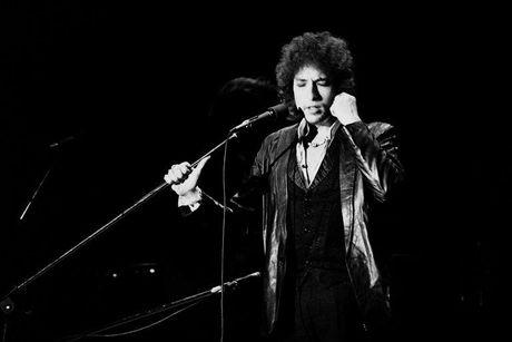 Giai Nobel Van hoc 2016: Bob Dylan hay mot 'Trinh Cong Son nuoc My' - Anh 1