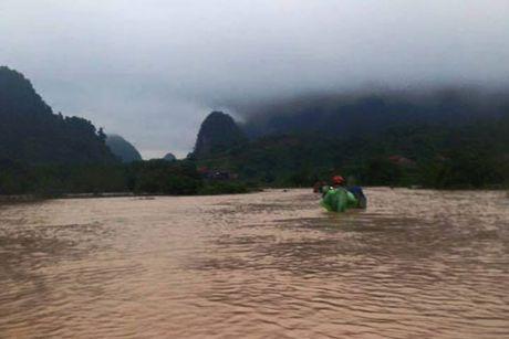 Mua lu lon o Quang Binh: Mot nguoi mat tich - Anh 1