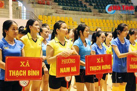 Giai Bong chuyen nu ky niem ngay thanh lap Hoi LHPN Viet Nam - Anh 2