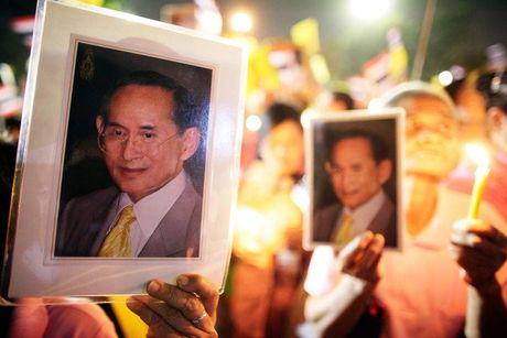Lanh dao Viet Nam gui dien chia buon Nha vua Thai Lan bang ha - Anh 1