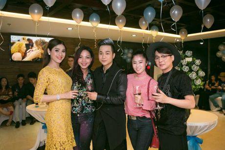 Lam Khanh Chi xinh dep, Ngoc Son 'nhay sung' mung sinh nhat Quach Tuan Du - Anh 10