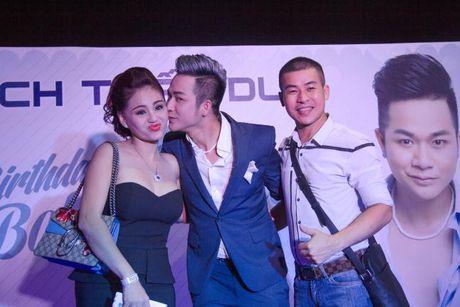 Lam Khanh Chi xinh dep, Ngoc Son 'nhay sung' mung sinh nhat Quach Tuan Du - Anh 14