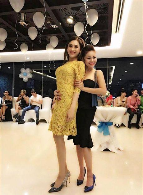Lam Khanh Chi xinh dep, Ngoc Son 'nhay sung' mung sinh nhat Quach Tuan Du - Anh 5