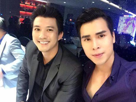 Lam Khanh Chi xinh dep, Ngoc Son 'nhay sung' mung sinh nhat Quach Tuan Du - Anh 8