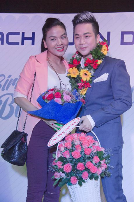 Lam Khanh Chi xinh dep, Ngoc Son 'nhay sung' mung sinh nhat Quach Tuan Du - Anh 9