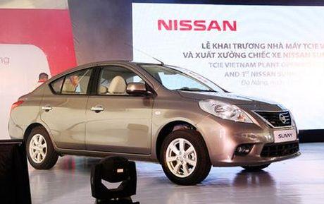 Nissan Sunny giam gia gan 30 trieu dong - Anh 1