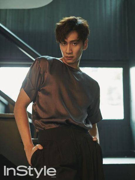 Hanh trinh lot xac tu linh moi den 'ong trum Running Man' cua Lee Kwang Soo - Anh 3