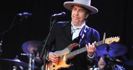 Huyen thoai am nhac Bob Dylan gianh Nobel Van hoc 2016 - Anh 2