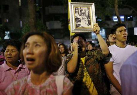 Vi sao Thai tu Thai Lan xin hoan len ngoi ke vi quoc vuong Bhumibol Adulyadej? - Anh 3
