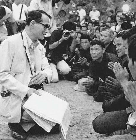 Bhumibol Adulyadej - trai tim, linh hon cua nguoi dan Thai - Anh 10