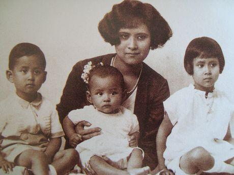 Bhumibol Adulyadej - trai tim, linh hon cua nguoi dan Thai - Anh 1
