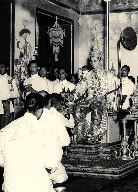 Bhumibol Adulyadej - trai tim, linh hon cua nguoi dan Thai - Anh 3