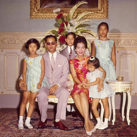 Bhumibol Adulyadej - trai tim, linh hon cua nguoi dan Thai - Anh 8