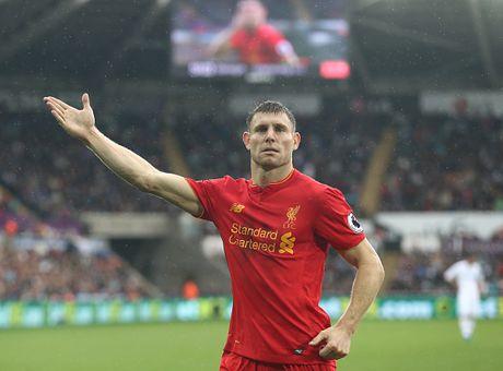 Fellaini co don trong doi hinh ket hop MU vs Liverpool - Anh 6